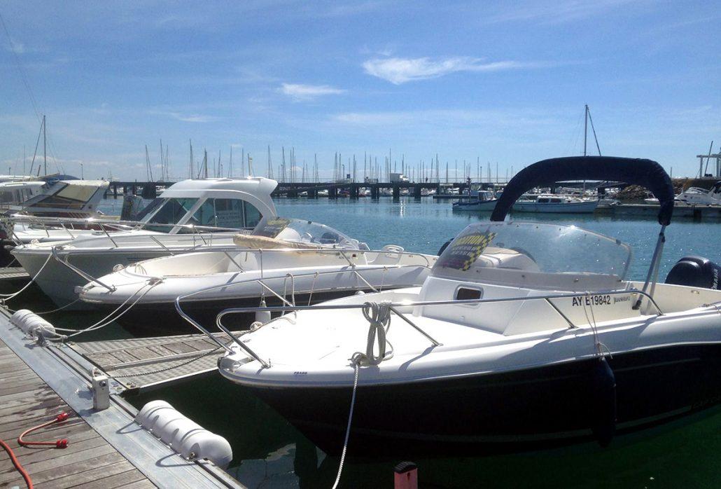 location-bateaux-a-moteur-port-haliguen-1