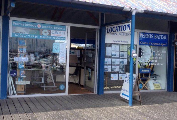 location-bateaux-a-moteur-port-haliguen
